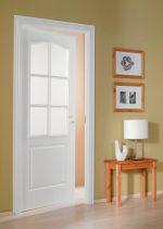 Дверной блок финский – межкомнатные белые деревянные модели, гладкие с окнами в комплекте, теплые филенчатые разновидности, дверь с четвертью глухая